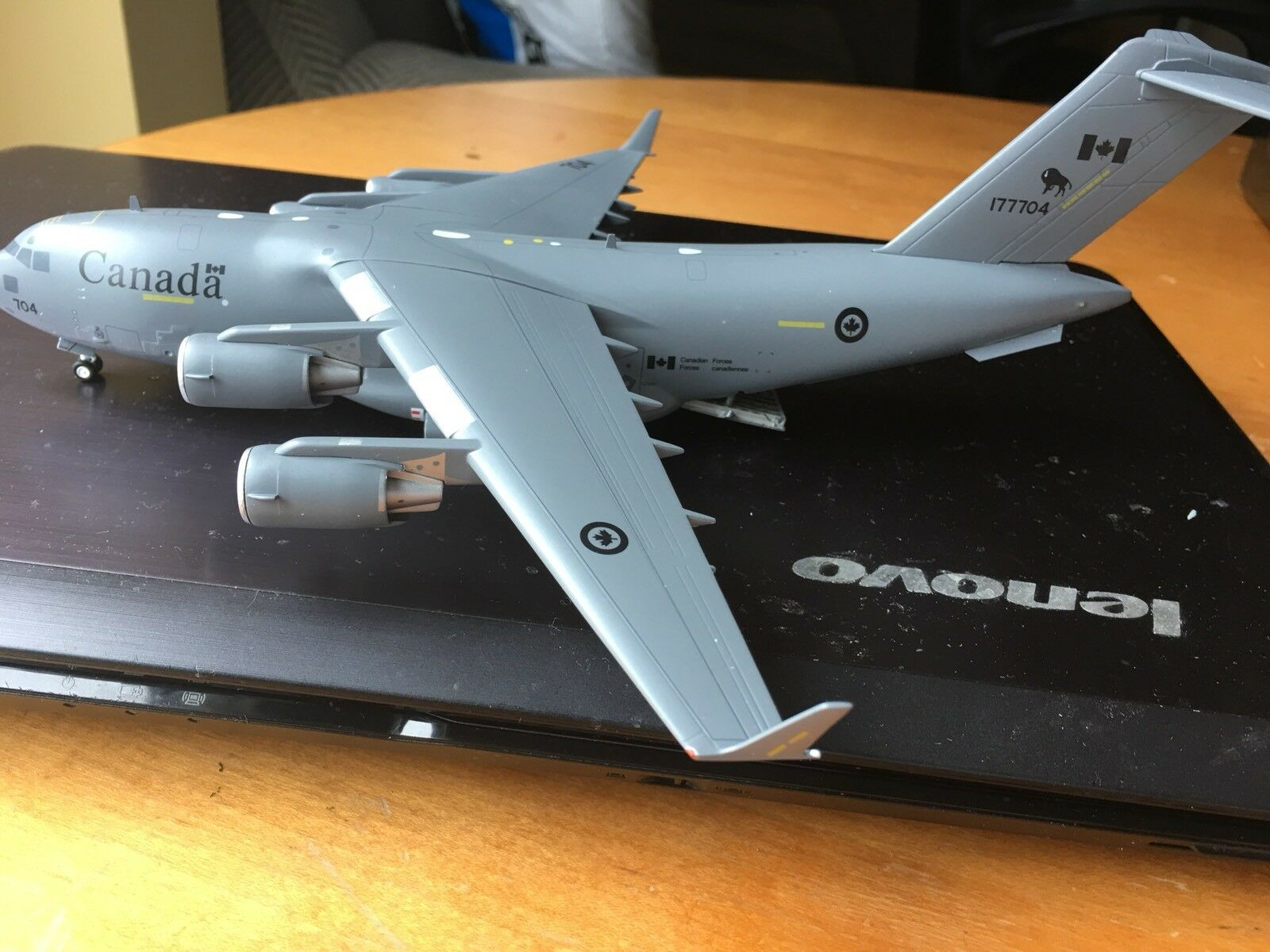 Gemini Jets  C-17 (Canadian) Air Force) 1 200 die cast
