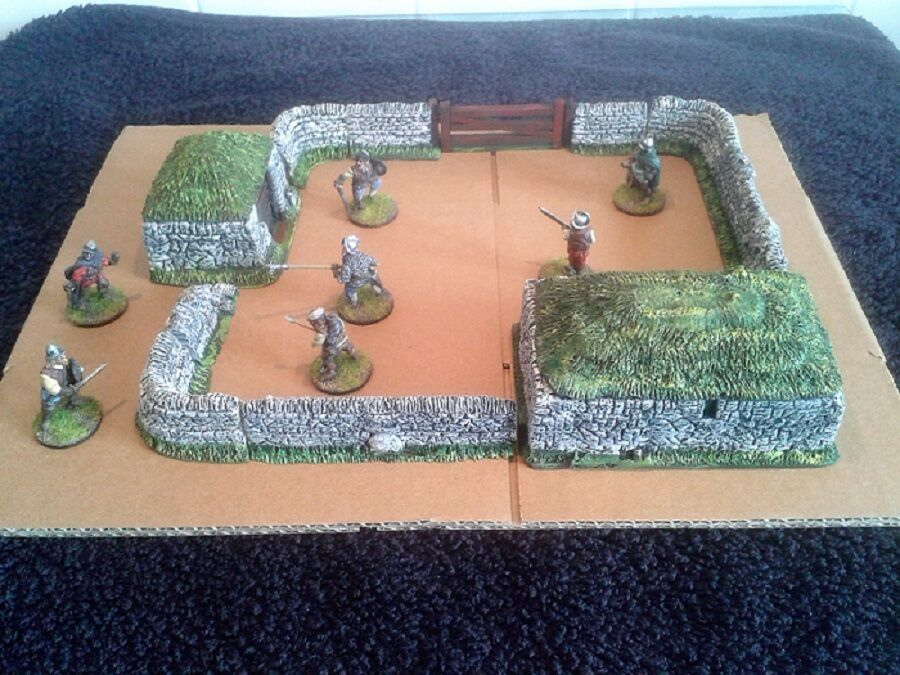 Border Reivers - The Village set ( Unpainted) 28mm scale Resin model NEW RANGE