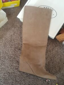 Jessica-Simpson-Riese-Beige-Wedge-Boots-Size-6