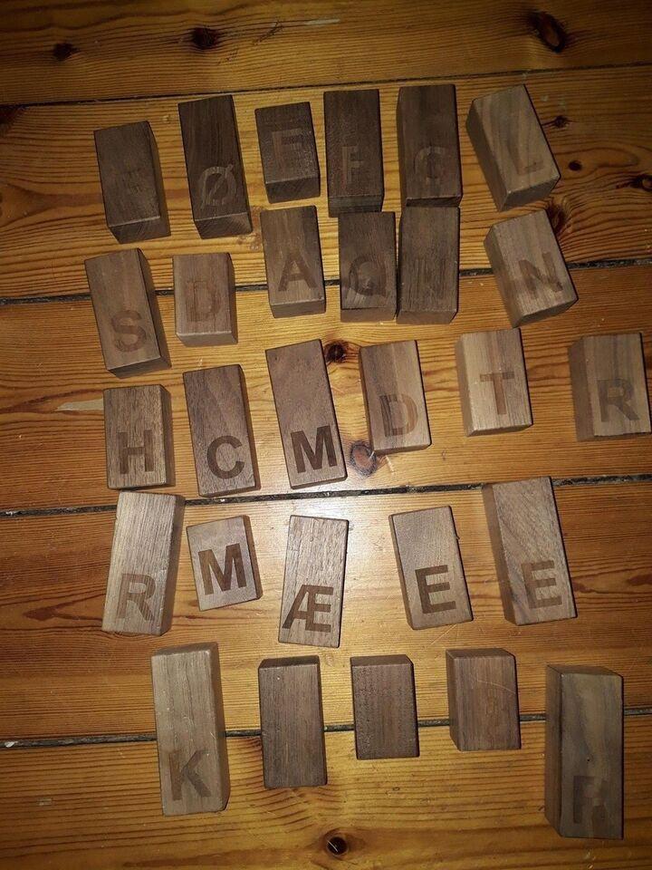 Klodser, Klodser med bogstaver, næsten ubrugte. Pæne.