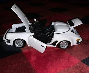 Edicion-Especial-1989-Speedster-Porsche-911-carrera-1-24-Scale-Die-Cast-Auto-Blanco