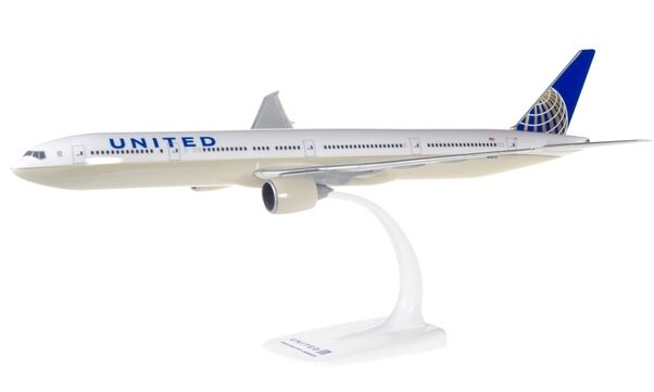 United Airlines B777-300ER snap fit model 1 200 model 37 cms long Reg N58031