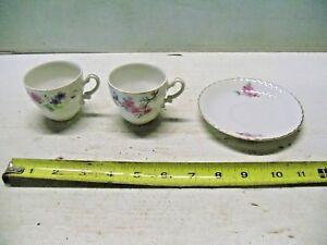 Nippon-Yoko-Boeki-Co-Japan-2-Cups-amp-1-Saucer-Flowers