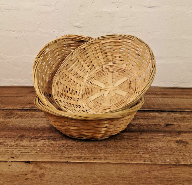 484a49e537efe3 3 x Small Round Wicker Baskets Fruit Snacks Storage Natural Bamboo Gift  Hampers