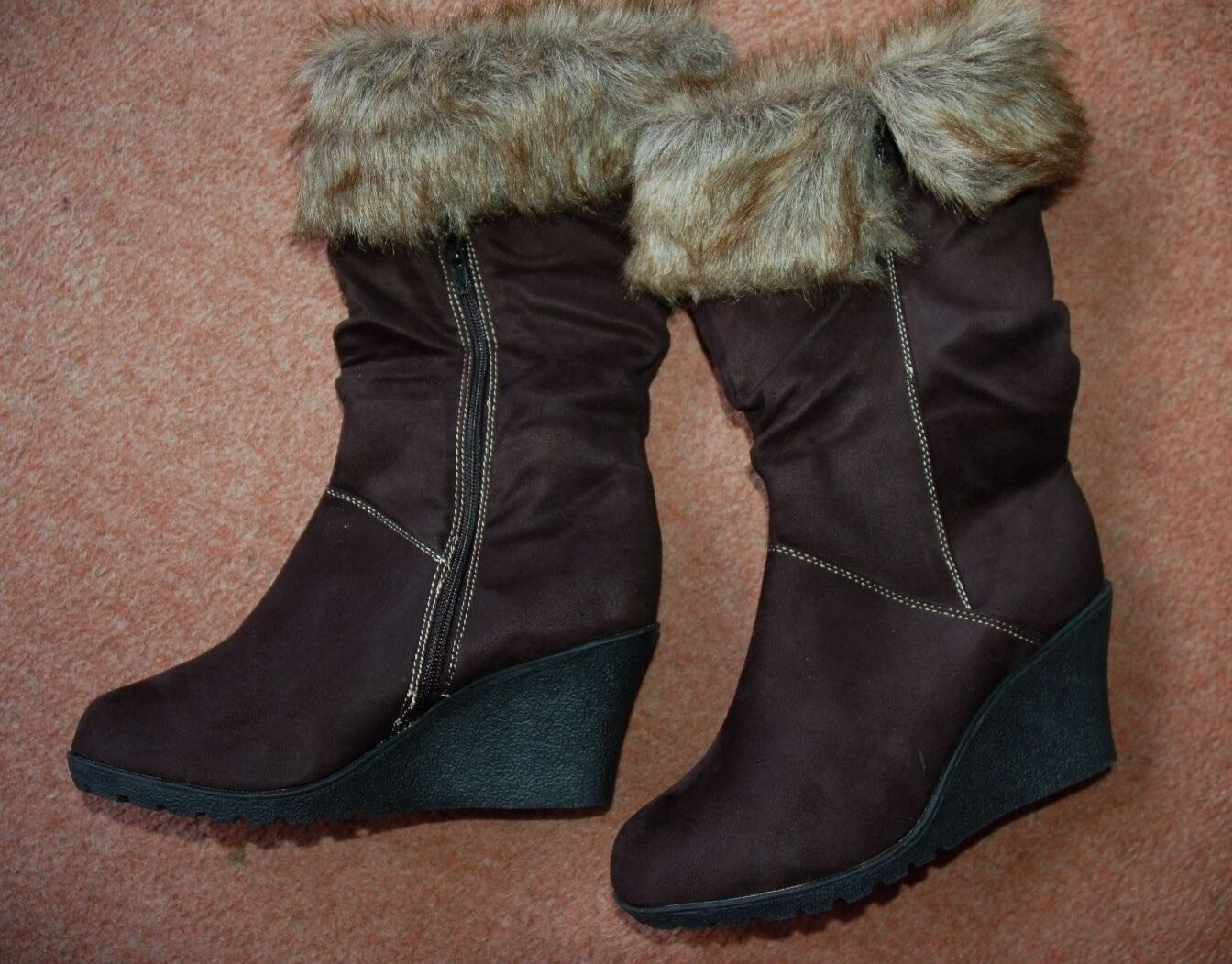 55c943f5144 ... nuevo Negro Imitación Gamuza Cuña Zapatos Botas Brazalete De Piel    Cremallera Lateral