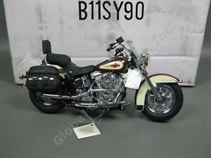 Franklin-Mint-1986-Harley-Davidson-Heritage-Softail-Classic-Motorcycle-Diecast
