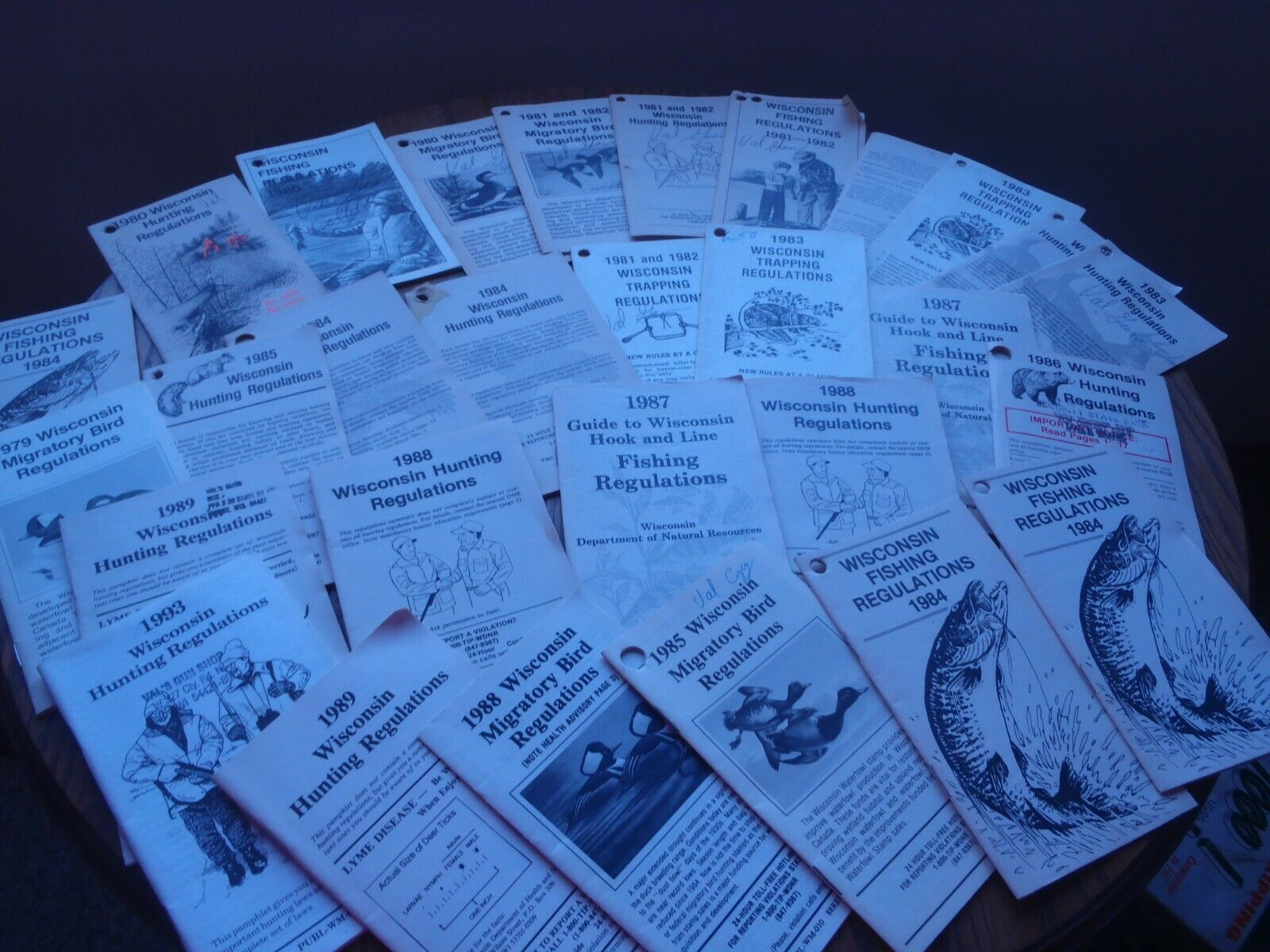 VINTAGE 19791993 WISCONSIN,HUNTING e pesca REGULATION libroLET,28 PIECES