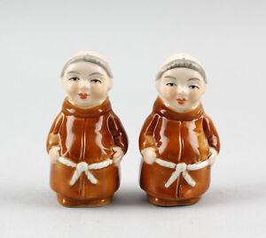 9942403-Porcelain-Salt-Pepper-Spice-Shaker-Pair-Monks-H6-5cm