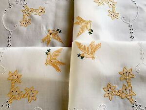 Vintage-Hand-Embroidered-DOVE-OF-PEACE-Birds-White-Linen-TableCloth-33X33-INCHES