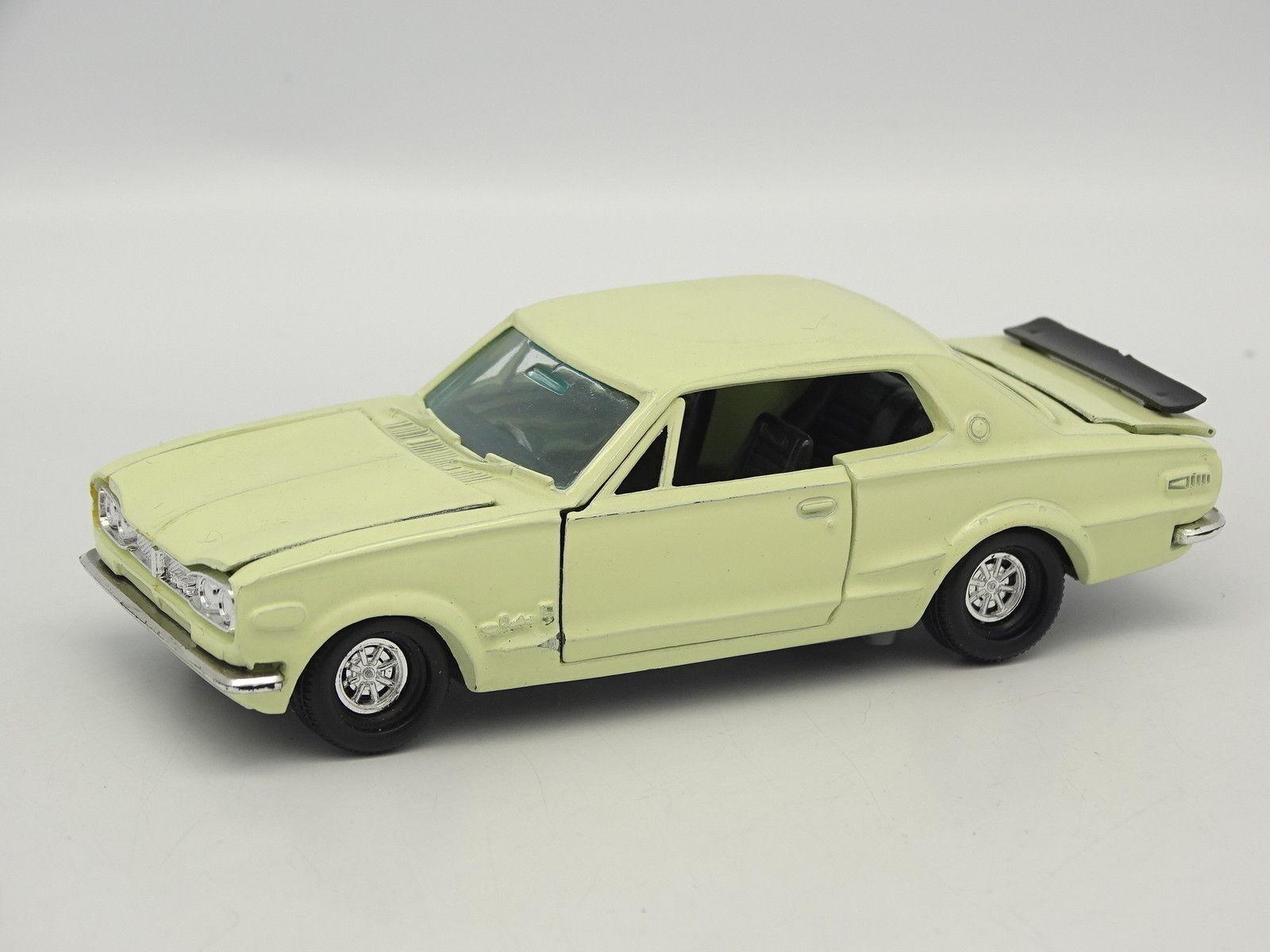 Yonezawa Diapet SB 1 43 - Nissan Skyline HT 2000 GT - R white