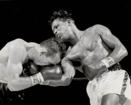 1958 Boxing SUGAR RAY ROBINSON vs Carmen Basilio Glossy 8x10 Photo Poster