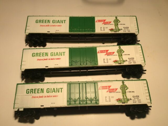 Tyco H0 Scale Green Giant 62' Double Door Freight Car # 50822  (1 of 3)