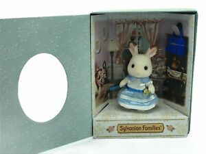 Calico-Critters-Sylvanian-Families-Fan-Club-Collectors-2018-Chocolate-Rabbit