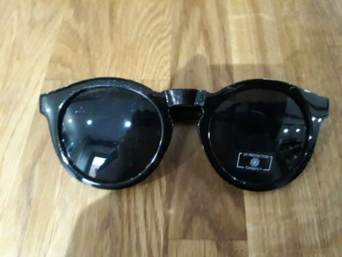 Black round shades sunglasses in gloss black