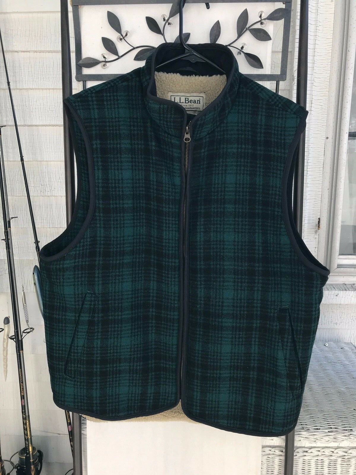 LL BEAN NAVY HUNTER GREEN PLAID SHERPA LINED VEST MENS MEDIUM IMMACULATE