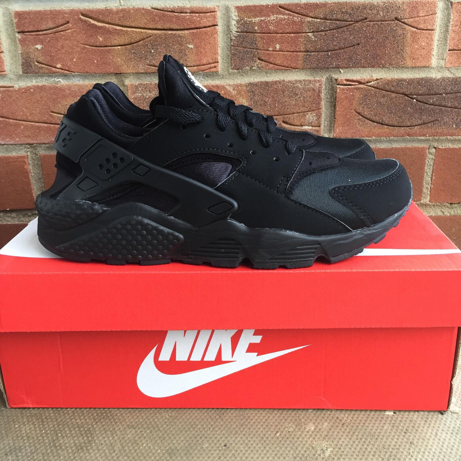 Nike air huarache triple nero uk 8