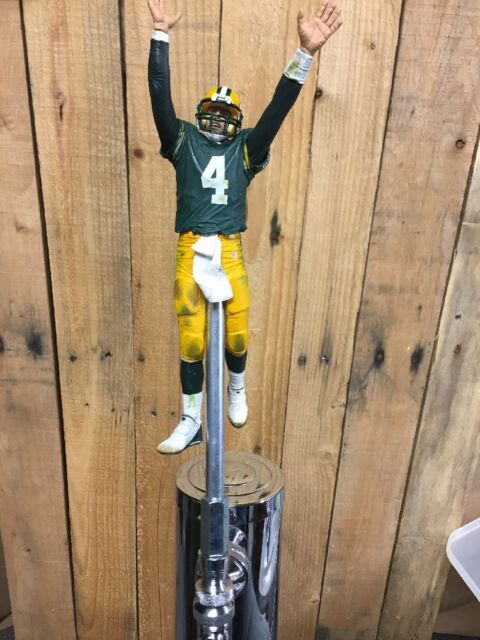 Green Bay PACKERS Tap Handle BRETT FAVRE Beer Keg NFL Football Green Jersey