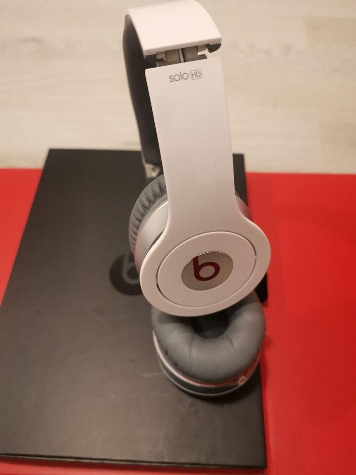 ørebøjle hovedtelefoner, Beats by Dre, Solo