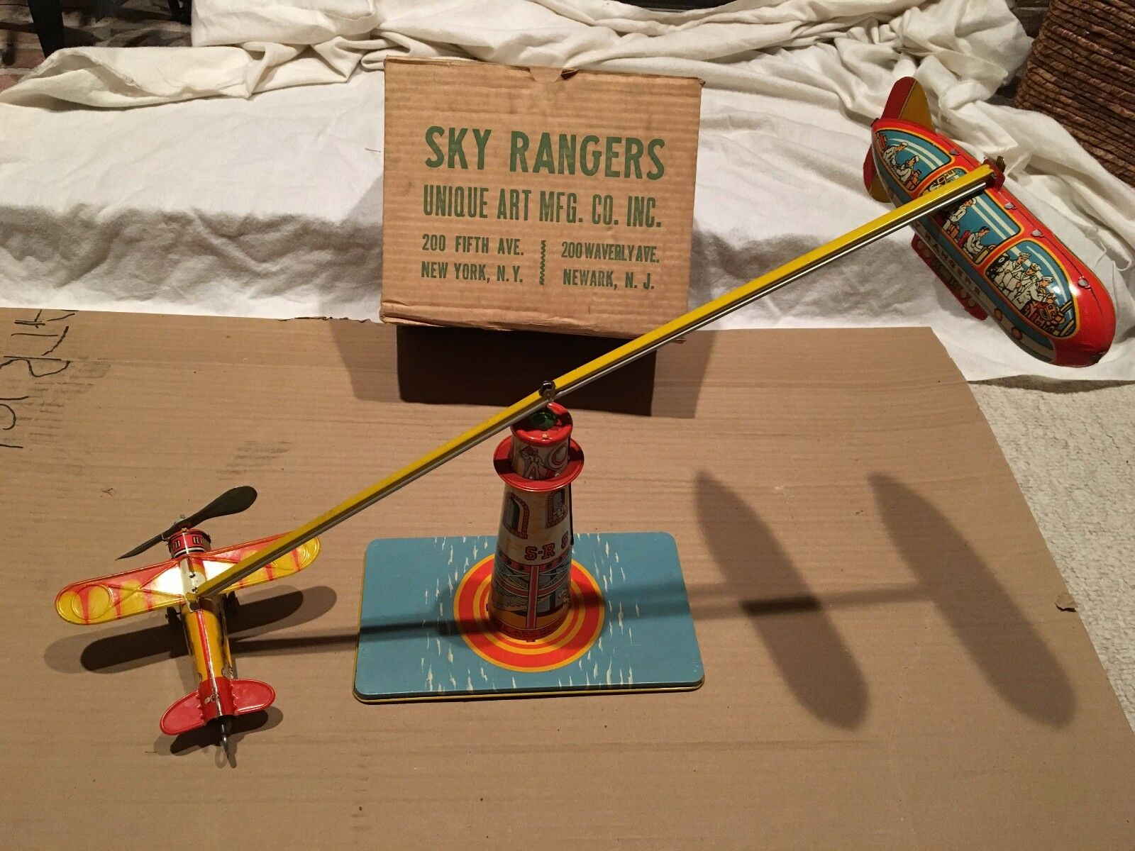 1930s 1940s UNIQUE ART SKY RANGERS Early Tin Litho Wind Up Toy              f4