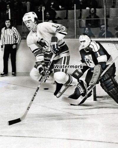 1976  WHA Toronto Toros Paul Henderson VS Phoenix Roadrunners 8 X 10 Photo Pic