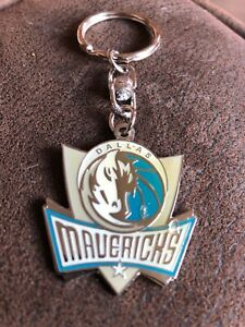 DALLAS-MAVERICKS-Basketball-Limited-Edition-Stock-Metal-Key-Ring