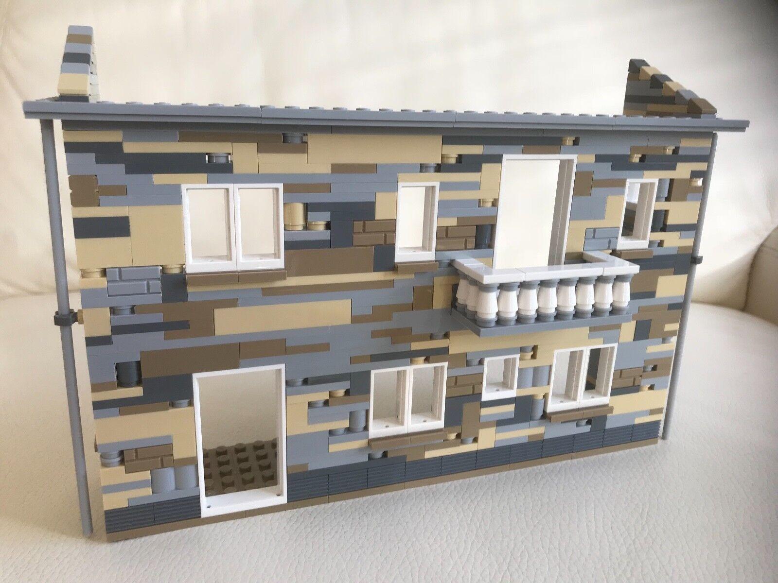 LEGO original parts - EUROPEAN TOWN BUILDING playable solid DIORAMA my design 73