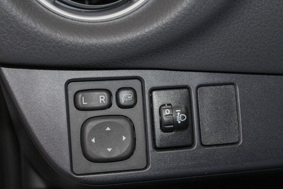 Toyota Yaris 1,5 Hybrid H3 Y20 e-CVT Benzin aut.