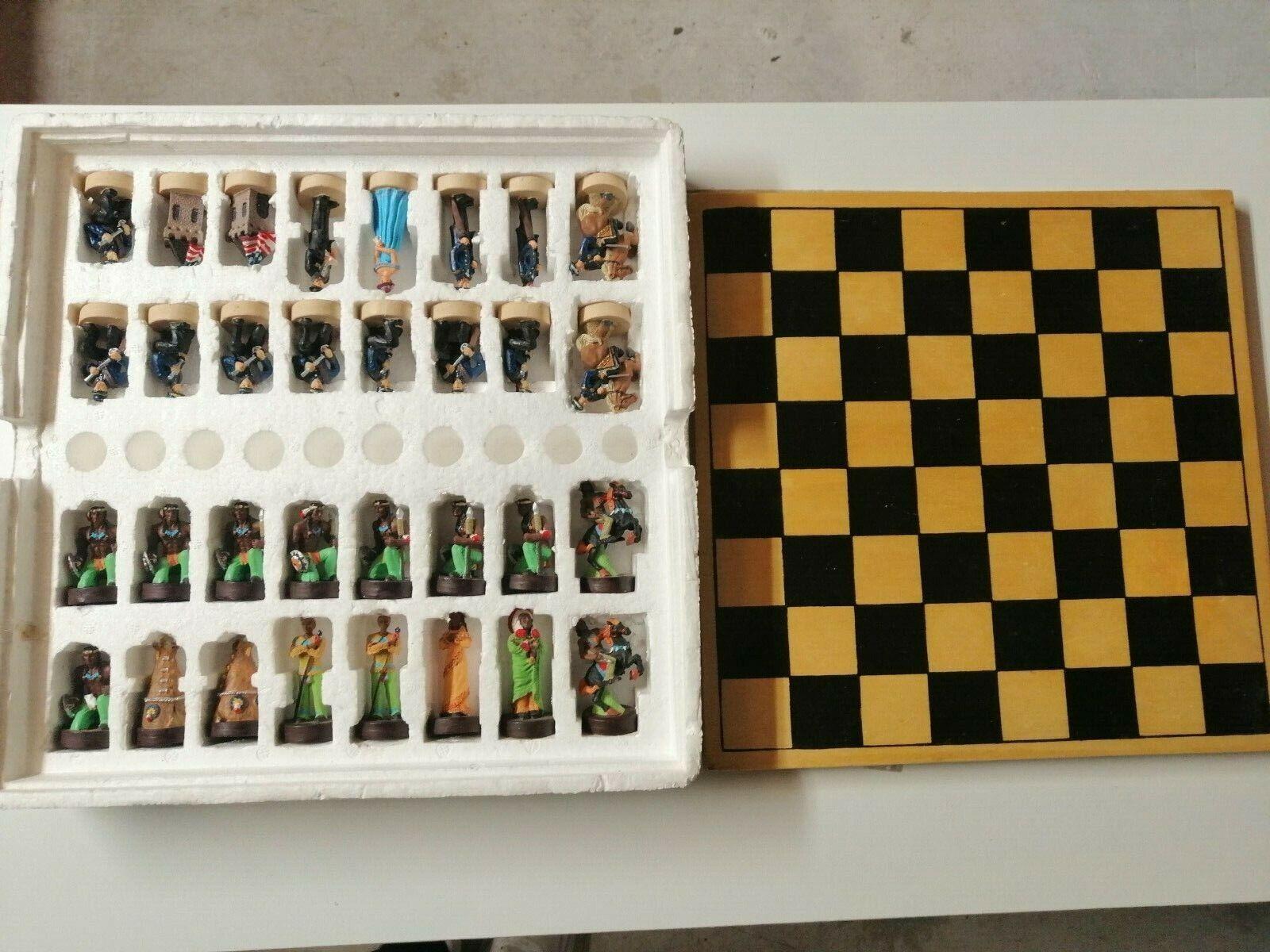 Grand Jeu d'échec bois et peint indiens d'amerique coffret ancien chess