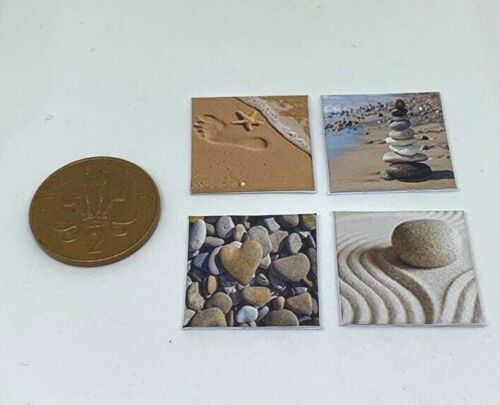 Fatto a mano in Miniatura Casa Delle Bambole Accessorio foto su tela stile Pebble Beach 4 Set