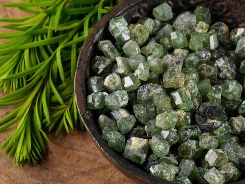 5g Lot Small Stones E0414 Demantoid GARNET