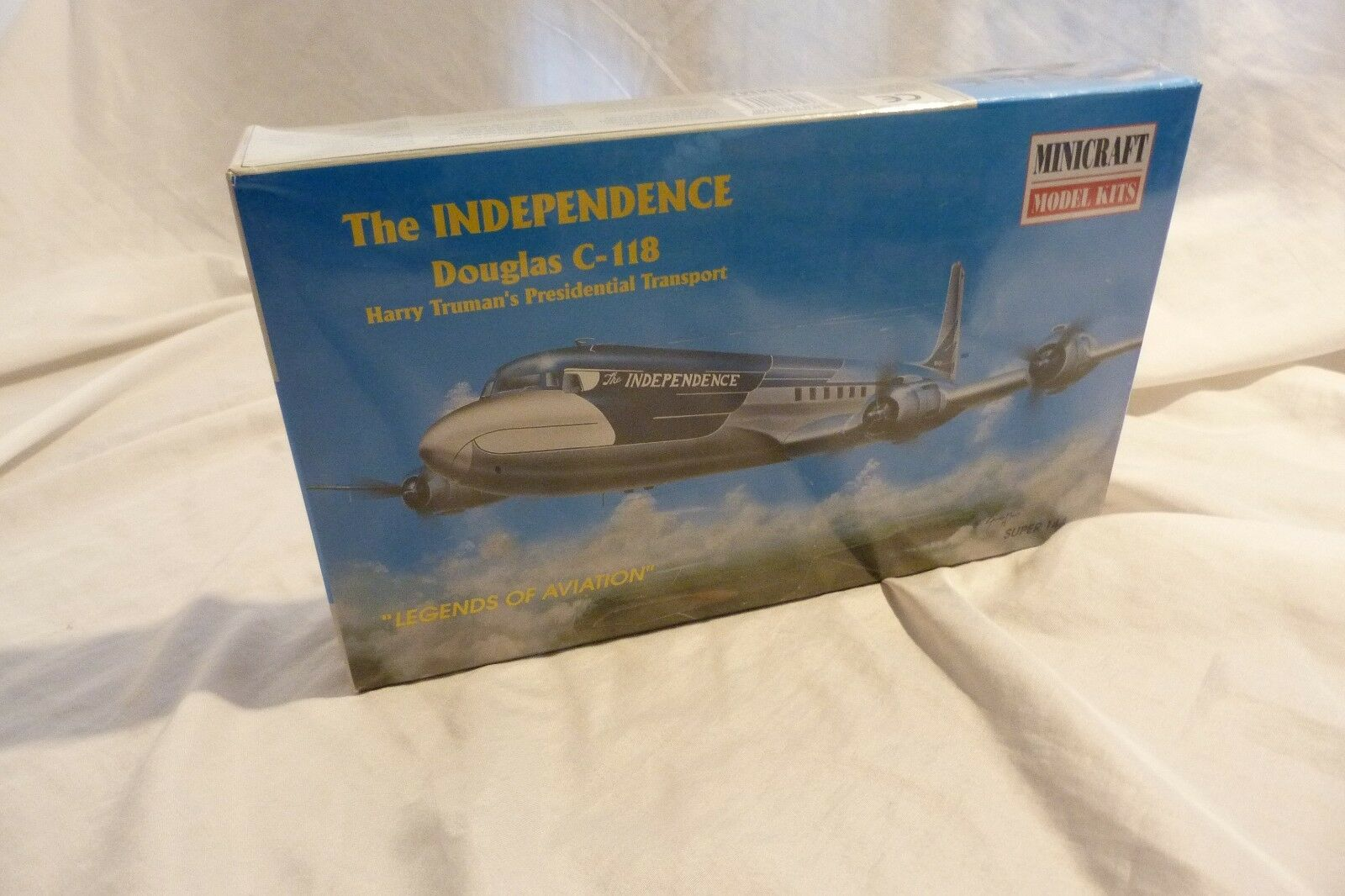 MINICRAFT 14447 Truman′s The Independence Douglas C-118 1 144 factory sealed