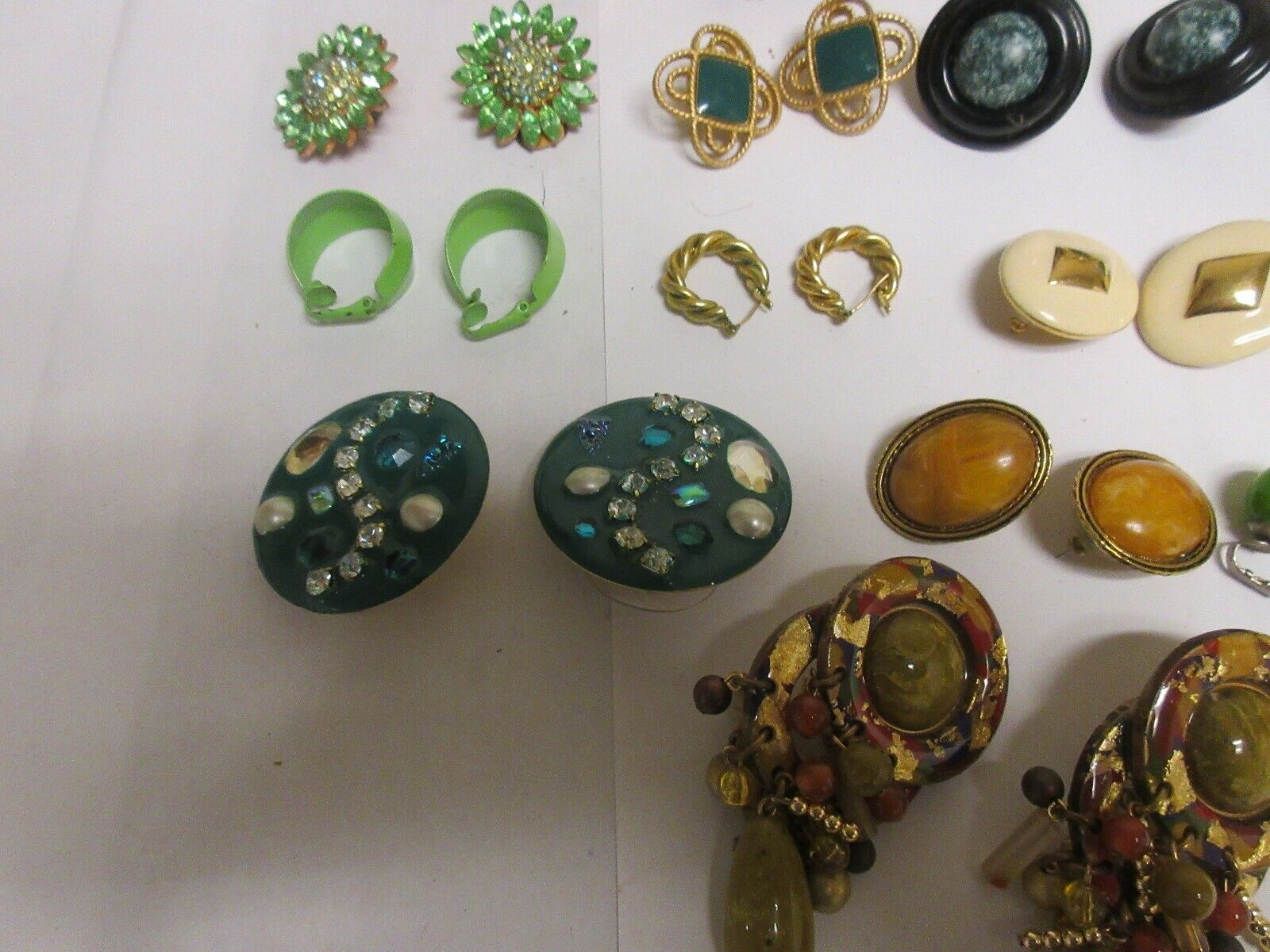Costume Jewelry , Vintage , Earrings , Mixed Lot of 17