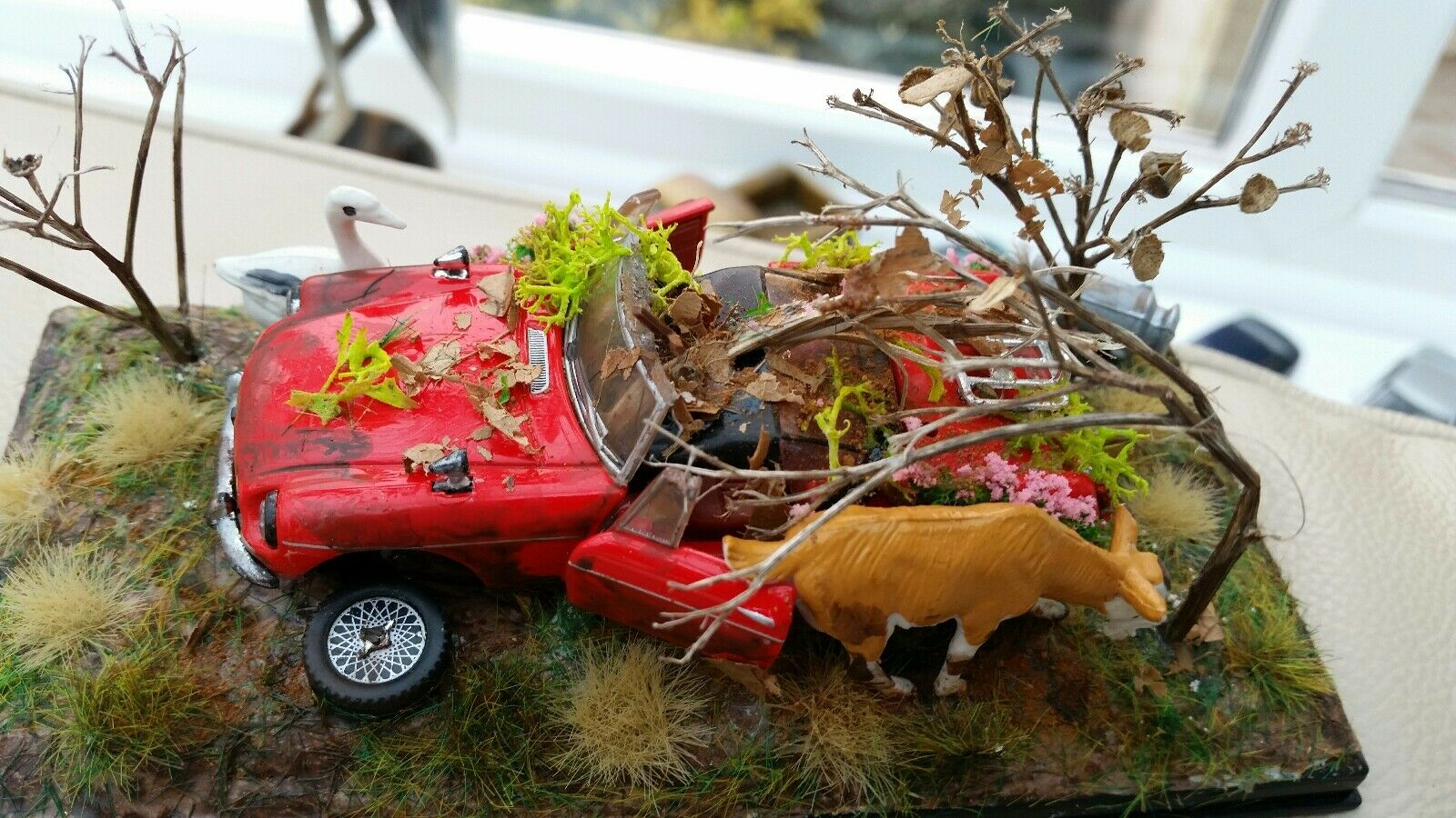 Red MGB Congreenible Dumped Barn Find Abandoned 1 43 Diorama Diecast Model Cased