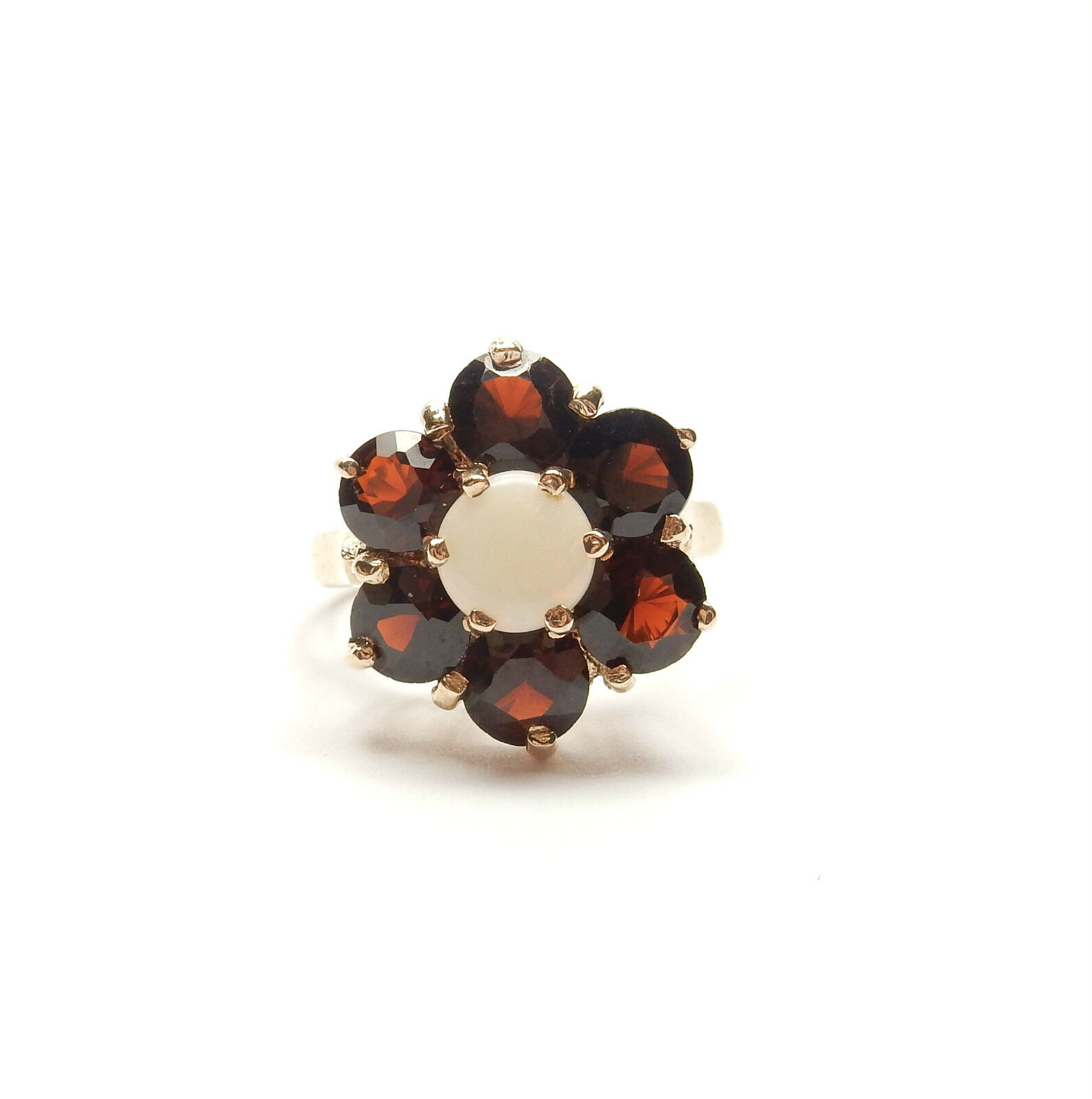 Opal And Garnet Cluster Ring 9 Carat Yellow gold London 1977 HM 3.4g