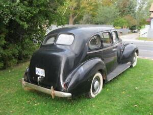 Packard 1940  sedan 110