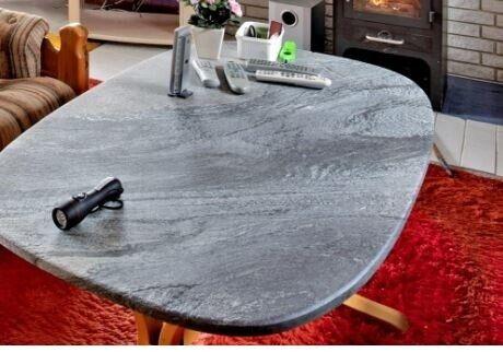 Sofabord, marmor, b: 75 l: 135 h: 54