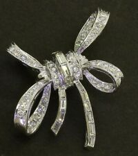 14K white gold beautiful 3.18CTW VS diamond cluster ribbon brooch