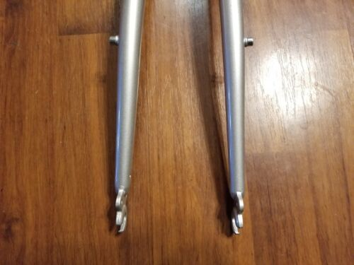 "Raleigh 4130 Cr-Mo Hybrid Bicycle Fork Rack Mounts 1 1//8/"" 700c"