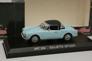 Detailcars-1-43-Alfa-Romeo-Giulietta-Spyder-Bleue