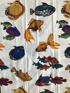 Big-Tropical-Fish-Fabric-Bright-Colors-on-White-Quilting-Sewing-Crafts-36-x-45-034