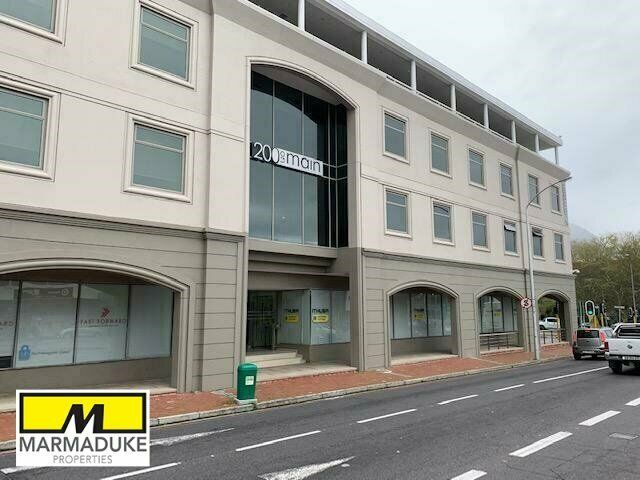 147m² Commercial To Let in Claremont at R200.00 per m²
