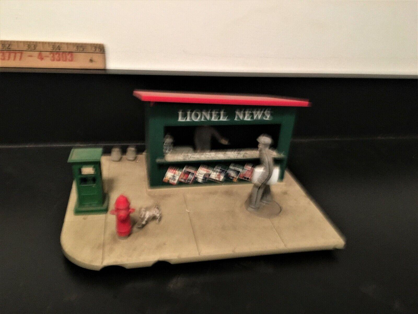 Lionel Postwar O Gauge Operating News Stand