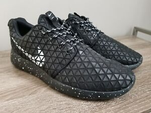 low priced 751ee a72ed Details about Nike Roshe Run Metric Black Women's Size 9.5 10