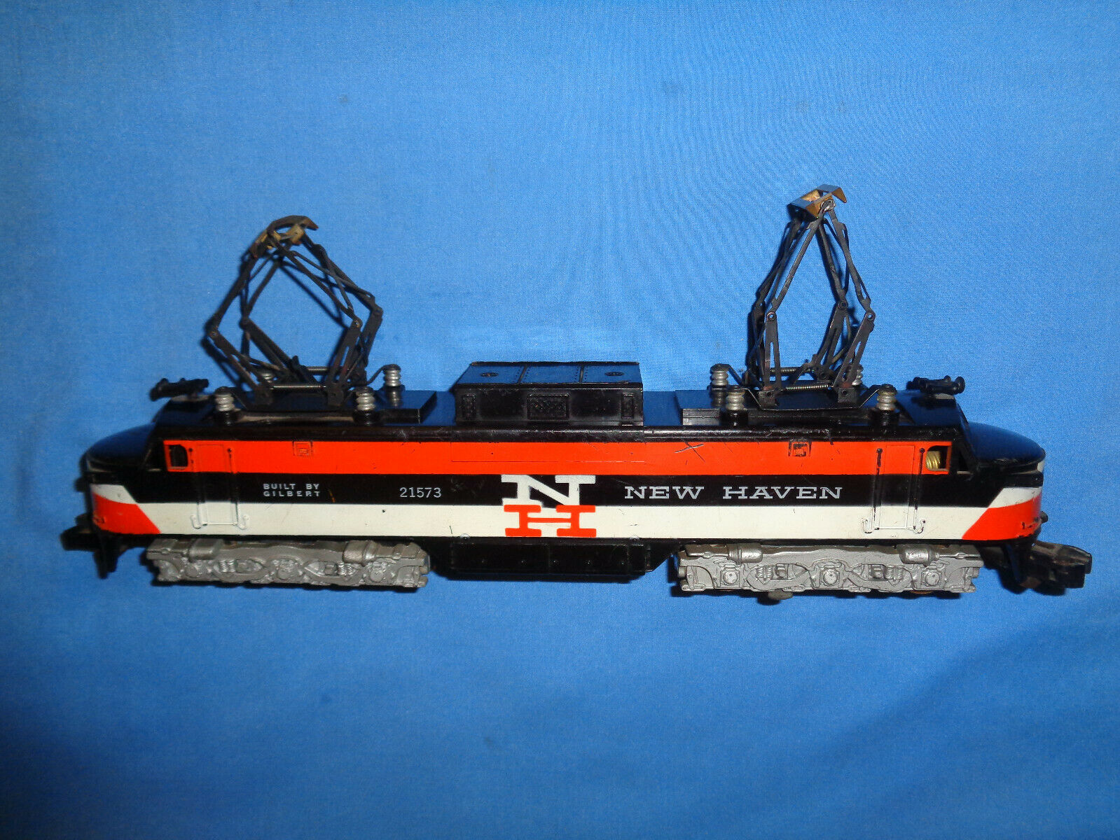 American Flyer  21573 nuovo Haven EP-5 Diesel Electric Locomotive. correres Well