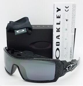 985037c826e NEW Oakley Oil Rig Sunglasses 24-058 Silver Ghost Text Black Iridium ...