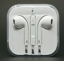 Apple EarPods (MD827LL/A) with Remote and Microphone - White