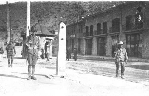 1910-20-U.S Army Soldiers Guard International Border-Mexican Revolution-Nogales