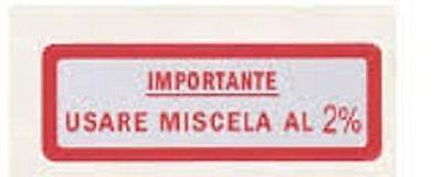 """Targhetta """" Importante Usare Miscela Al 2% """" Kit 10 Pezzi Vari Modelli Di Vespa Gamma Completa Di Articoli"""