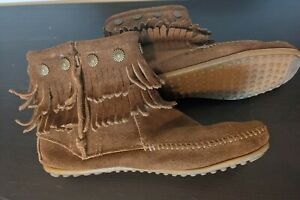 Minnetonka Moccasins Women's Double Fringe Boot Side Zip Suede -Size 7.5