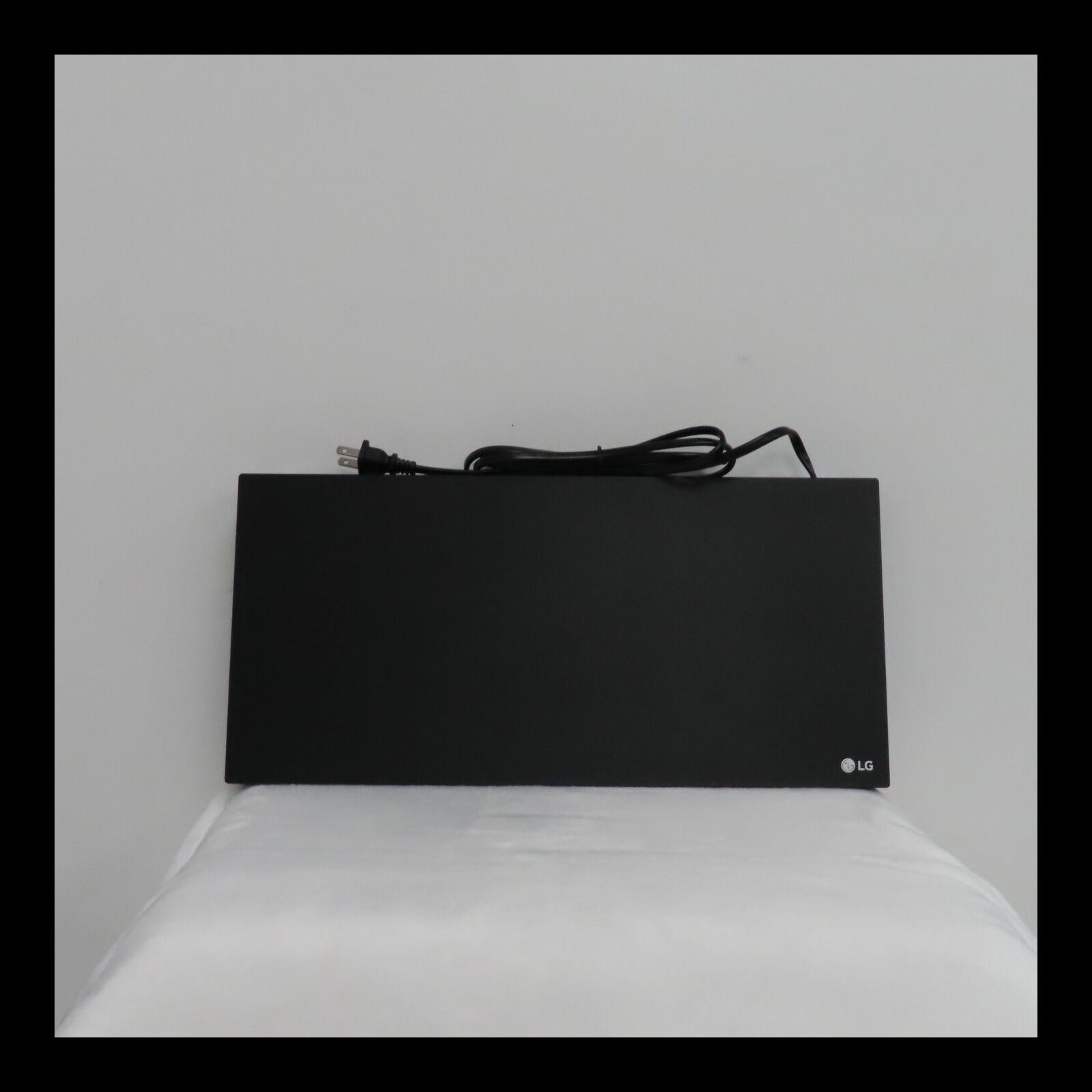 LG - Streaming 4K Ultra HD Hi-Res Audio Wi-Fi Built-In Blu-ray Player - Black audio black player streaming ultra